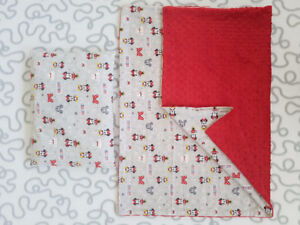 """Minnie Mouse"" Blanket Pillow Set"