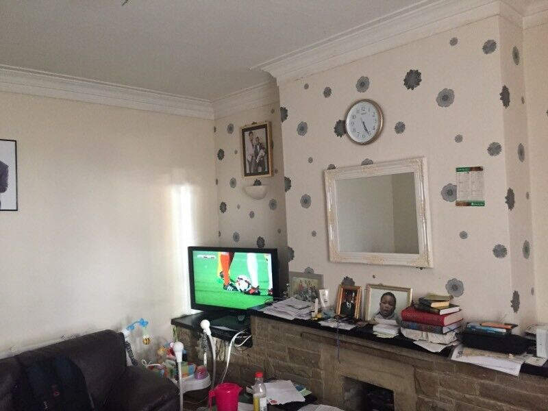 4 bed double fronted house - BD2