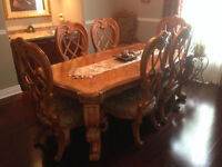 Vantage dining set Table and Hutch (Dinning)