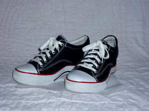 """""""City Sneaks"""" running Shoes .. like NEW ... size 7.5 Cambridge Kitchener Area image 1"""
