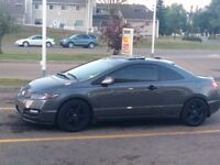 2010 Honda Civic EXL Coupe (2 door) Low Kms w/ NAVI/ A MUST SEE