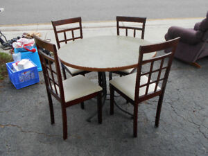 5 pce Dinette set Wood Chairs 39''; round table