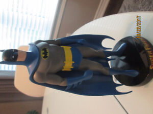 SUPER FRIENDS BATMAN Statue 9 inches tall