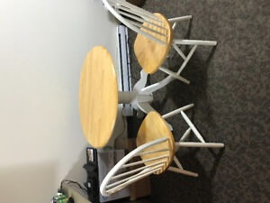 Dining table with 4 chairs and coffee table