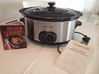Cook works slow cooker