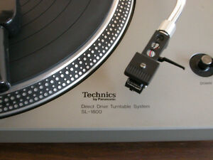 Table tournante Technics SL-1800 avec cellule Shure V15 TYPE IV