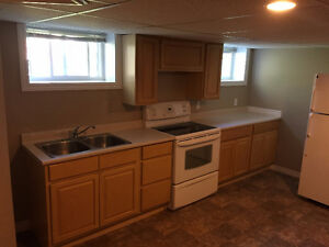 1 Bedroom Basement Apartment 5 MIN from UNB Available Immediatly