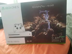 Xbox one  S Shadow of war bundle BNIB