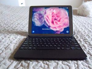 Galaxy Tab S2 9.7'' + clavier/ keyboard bluetooth 700$ négo