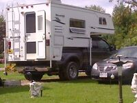 2006 Ford F-350 Crew Cab Lariat 4x4 with truck camper
