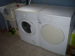 Moffat Front Load Washer/Dryer set