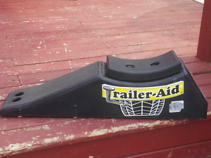 "Camco/Rv Trailer aid 1"" lift"