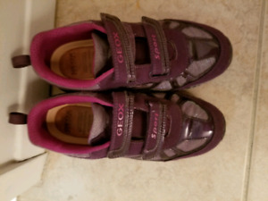 Girl's Geox Running shoes Size 3