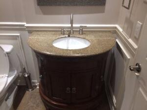 Meuble lavabo en chêne et marbre