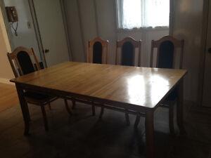 Dining Set / Meubles de salle à manger (Table et chaises) Gatineau Ottawa / Gatineau Area image 1