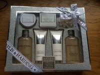 New boxed Baylis & Harding jojoba silk and almond oil large gift set