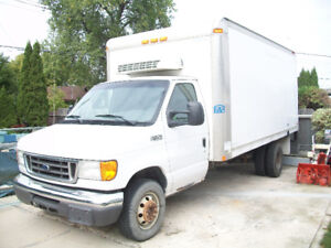2005 Ford  Cube Moving Van  e450 Super Duty