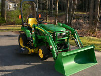 """John Deere 2210 Tractor with 210 Loader and 60"""" Mower"""