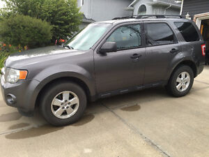 2011 Ford Escape XLT SUV, Asking $10,000