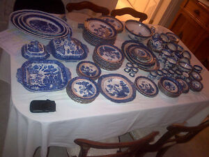 Large collection of Blue Willow China, and Old Blue Willow Kitchener / Waterloo Kitchener Area image 2