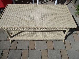 wicker coffee table indoors or outdoors Kitchener / Waterloo Kitchener Area image 1