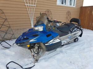 2010 polaris 550 IQ LXT snowmobile
