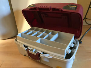 Plano 1 Tray Tackle Box. (Red and White)