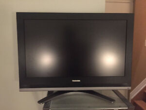 TOSHIBA FLAT SCREEN FOR SALE!