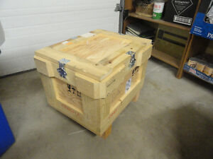 Lab equipment - Wooden shipping case for instruments