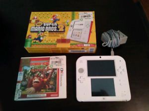 Nintendo 2DS - Super Mario 2 installed.