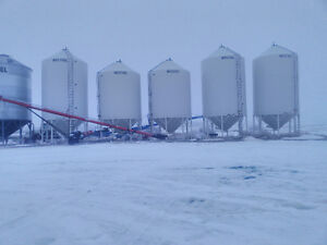 3x 1620F Fertilizer bins, 2x1616F Fertilizer bins