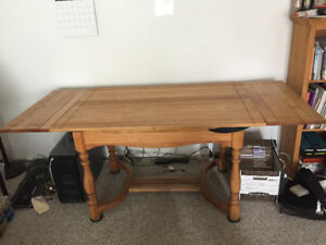 Wooden dining table (extendable) w/ 4 chairs