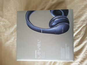Samsung Level On PN-900 Wireless Noise Cancelling Headphone