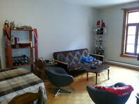 Great 4 1/2 located in trendy area of Plateau Montreal
