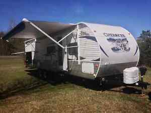 2013 Cherokee trailer with bunk room for sale