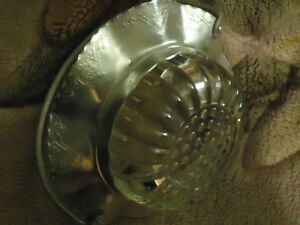 VINTAGE CRYSTAL AND WROUGHT RUFFLE BASKET London Ontario image 2