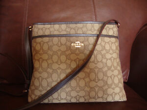 brand new authentic coach crossbody bag large