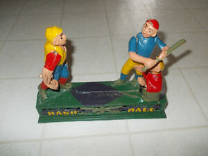 VINTAGE !! BASE BALL DIECAST IRON  BANK !!
