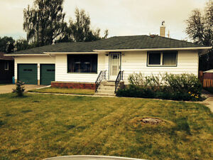Well maintained and updated 3 bedroom 2 bathroom Bungalow