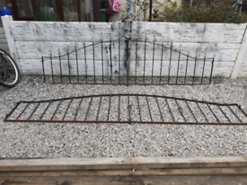 Wrought Iron Railings / Wall Toppers / Metal Fencing / Driveway Gates