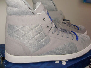 BRAND NEW WITH BOX REEBOK  SIZE 10.5 also SZ 10 GREY WHITE BLUE. West Island Greater Montréal image 1