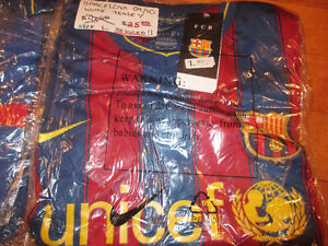 F.C Barcelona Jersey and shorts kit size L soccer jersey