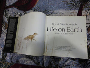Book - Life on Earth by David Attenborough Kitchener / Waterloo Kitchener Area image 3