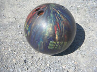 Selling 10 Pin Maxim Bowling Ball