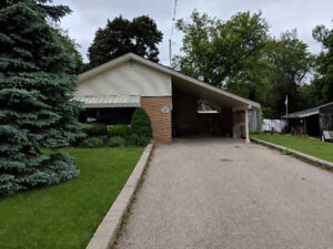 Detached Bungalow $2,000 SHOWINGS SATURDAY JUNE 16TH @ 11 AM