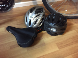 Ladies Cruising Bike for sale - includes 2 helmets & extra seat