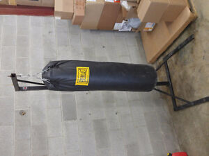 100lb punching bag with stand