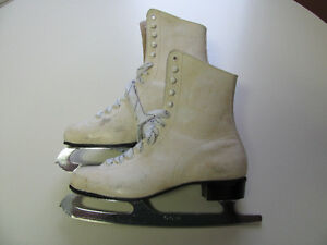 Ladies Ice Skates
