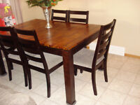 Dining Room Wood Table n Chairs