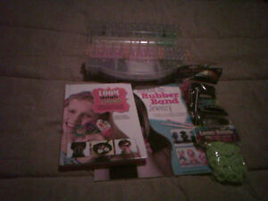 RUBBER BAND LOOM KIT with two books to show many things to make